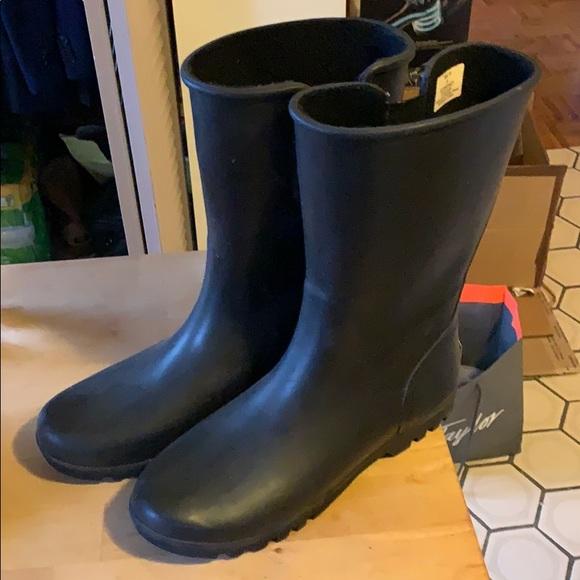 Sperry Shoes | Sperry Rainboots | Poshmark